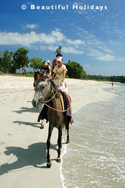 horse riding at natadola beach