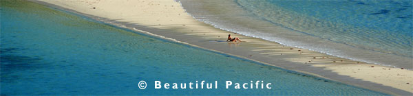 backpackers travel south pacific islands